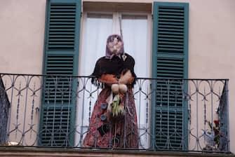 A Urbania la Befana arriva dalla torre dell'orologio (urbania - 2014-01-05, vito panico) p.s. la foto e' utilizzabile nel rispetto del contesto in cui e' stata scattata, e senza intento diffamatorio del decoro delle persone rappresentate