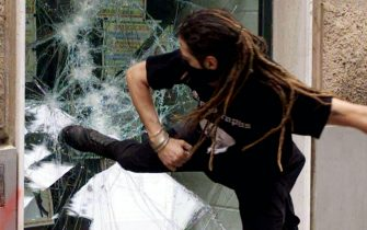Genova scontri©Luciano del Castillo ANSA