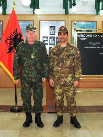 Il Comandante della missione multinazionale in Kosovo NATO KFOR, Generale di Divisione Francesco Paolo Figliuolo, ha accolto il Capo di Stato Maggiore della Difesa albanese, Generale Jeronim Bazo, nella base di Film City, sede del Comando NATO a Pristina. Pristina, 31 marzo 2015. ANSA/KFOR  +++ ANSA PROVIDES ACCESS TO THIS HANDOUT PHOTO TO BE USED SOLELY TO ILLUSTRATE NEWS REPORTING OR COMMENTARY ON THE FACTS OR EVENTS DEPICTED IN THIS IMAGE; NO ARCHIVING; NO LICENSING +++