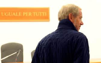 L'ex capo della protezione civile Guido Bertolaso, all'udienza preliminare  scaturita dall'inchiesta sugli appalti per i cosiddetti Grandi eventi, 19 settembre 2011, a Perugia.  ANSA / PIETRO CROCCHIONI
