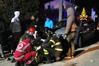 Emergency personnel attend to victims of a stampede at a nightclub in Corinaldo, near Ancona, central Italy, 08 December 2018. A stampede outside a nightclub has killed six people and injured more than 100, after someone probably caused a panic with a stinging spray The incident took place at a packed club hosting a concert by popular Italian rapper Sfera Ebbasta. ANSA/ ITALIAN FIRE DEPARTMENT   +++ HO - NO SALES, EDITORIAL USE ONLY +++