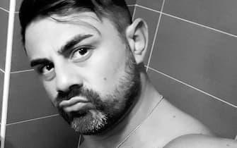 Giuseppe Montella, detto 'Peppe', 37 anni, napoletano, il leader del gruppetto di carabinieri accusati di pestaggi, estorsioni, spaccio e anche di tortura, in una foto presa dal suo profilo Facebook, 23 luglio 2020. FACEBOOK +++ ATTENZIONE LA FOTO NON PUO ESSERE PUBBLICATA O RIPRODOTTA SENZA LAUTORIZZAZIONE DELLA FONTE DI ORIGINE CUI SI RINVIA +++ ++ HO - NO SALES, EDITORIAL USE ONLY ++Carabiniere Piacenza - Peppe Montella