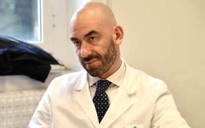 Virologi in tv solo se autorizzati, Bassetti: no al bavaglio ai medici