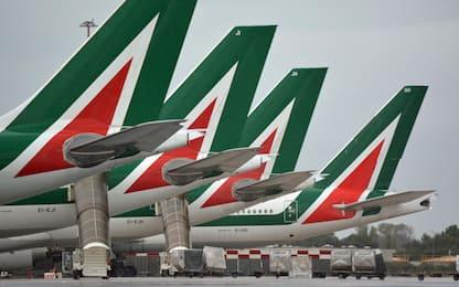 """Alitalia, Draghi: """"Deve sostenersi da sola e volare con sue ali"""""""