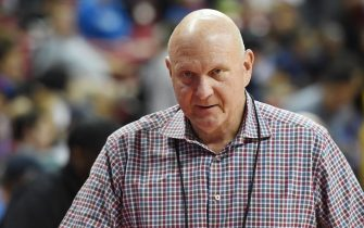 LAS VEGAS, NEVADA - JULY 07:  LA Clippers owner Steve Ballmer attends a game between the New York Knicks and the Phoenix Suns during the 2019 NBA Summer League at the Thomas & Mack Center on July 7, 2019 in Las Vegas, Nevada. NOTE TO USER: User expressly acknowledges and agrees that, by downloading and or using this photograph, User is consenting to the terms and conditions of the Getty Images License Agreement.  (Photo by Ethan Miller/Getty Images)