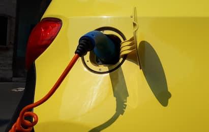 Incentivi auto, bonus rifinanziato e rimodulato: ecco come cambia