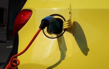 Auto elettrica bonus Isee domanda