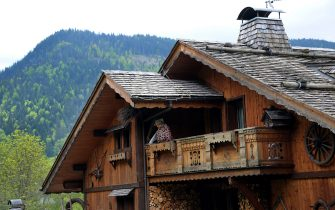 A picture taken on June 3, 2013 shows a chalet in the La Clusaz resort in the French Alps.  AFP PHOTO / JEAN-PIERRE CLATOT        (Photo credit should read JEAN-PIERRE CLATOT/AFP via Getty Images)