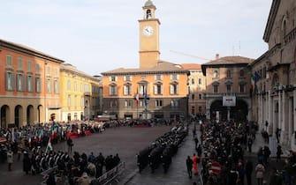La cerimonia della bandiera in piazza Prampolini durante la Giornata nazionale della Bandiera e 218° anniversario della nascita del Primo Tricolore a Reggio Emilia 7 gennaio 2015.ANSA/ELISABETTA BARACCHI