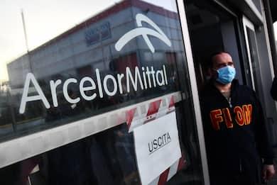 ArcelorMittal, operaio licenziato dopo un post su una fiction