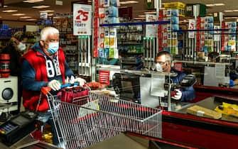 pasqua pasquetta zona rossa supermercati aperti