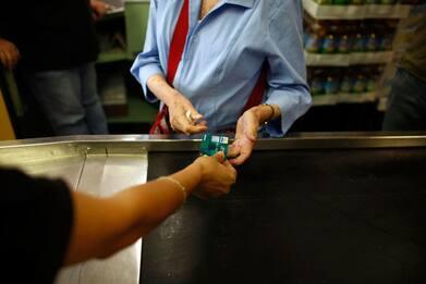 Cashback, super bonus 3mila euro per chi usa di più pagamenti digitali