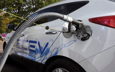 Picture shows the refuelling hydrogen system of a Hyundai car during a presentation by the French industrial gas group Air Liquide of Hydrogen electric cars in Marcoussis, near Paris on October 4, 2011 as part of tests in France of hydrogen electric vehicles.  AFP PHOTO  ERIC PIERMONT (Photo credit should read ERIC PIERMONT/AFP via Getty Images)