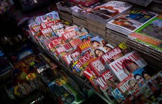 """ROME, ITALY - JANUARY 29: A newsstand open during the """"notte bianca"""" of newsstands, on January 29, 2020, in Rome, Italy. This initiative organized by all Italian newsagents aims to raise public awareness of the current newsstand crisis. Over the past 15 years, more than 26,000 newsagents have closed in Italy. (Photo by Antonio Masiello/Getty Images)"""