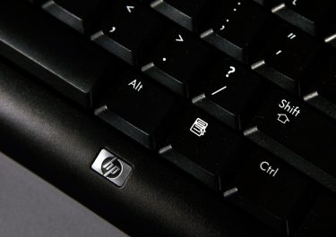 SAN FRANCISCO - FEBRUARY 19:  The keyboard of a Hewlett-Packard desktop computer is displayed at a Best Buy store February 19, 2008 in San Francisco, California. Hewlett-Packard Co. will announce its first-quarter earnings today and some industry analysts predict that improved PC sales will help exceed earnings estimates.  (Photo by Justin Sullivan/Getty Images)