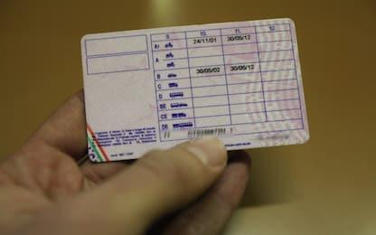 Torino, truffe all'esame della patente: due arresti