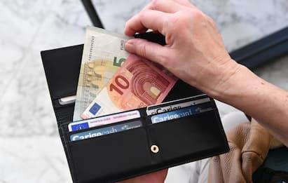 Bonus regioni da 600 a 1.000 euro: a chi spettano e come fare domanda