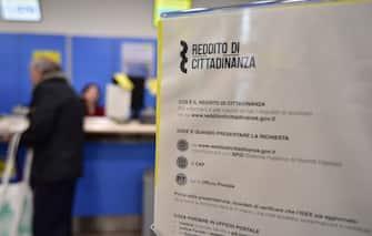 Basic income. Documentation at the post office in via Carlo Freguglia (Milan - 2019-03-06, SEBASTIANO        TERRENI) p.s. la foto e' utilizzabile nel rispetto del contesto in cui e' stata scattata, e senza intento diffamatorio del decoro delle persone rappresentate
