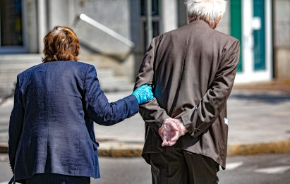 Pensione anticipata, bocciata Quota 100: ipotesi uscita a 64 anni