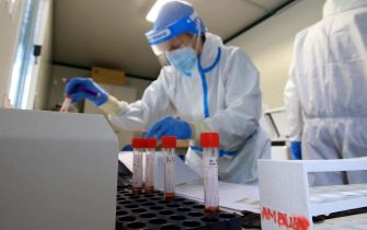 Health staff perform drive-in swabs at San Paolo Hospital during Covid-19 emergency, Milan, Italy, 07 November 2020.  ANSA / PAOLO SALMOIRAGO