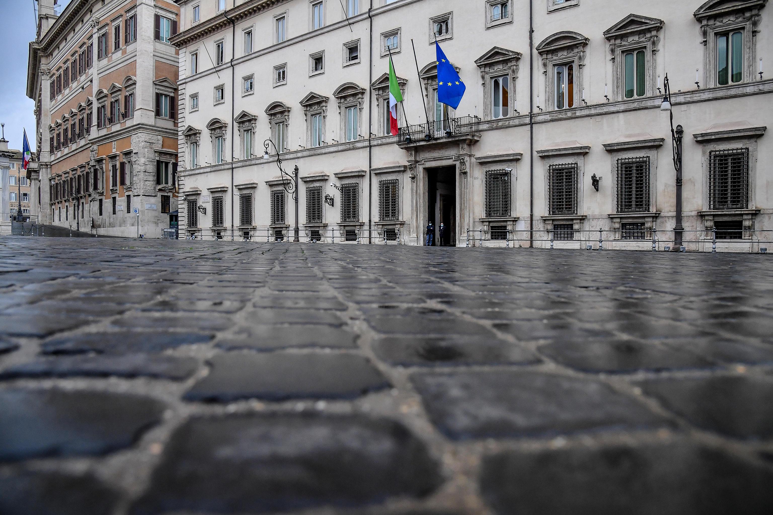 Governo Draghi, tensione e poi l'accordo: ecco i nuovi sottosegretari