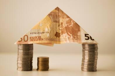 Confcommercio: crollano consumi (-8%) a ottobre, frena richiesta mutui