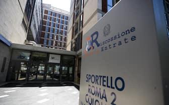 La sede dell'Agenzia delle Entrate di via Cristoforo Colombo, Roma, 10 agosto 2019. ANSA/ANGELO CARCONI