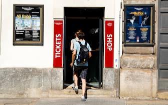 Foto LaPresse - Mourad Balti Touati 21/08/2018 Milano (Ita) - largo ghiringhelli Cronaca La nuova biglietteria del Teatro alla Scala in largo Ghiringhelli Nella foto: l'esterno della biglietteria