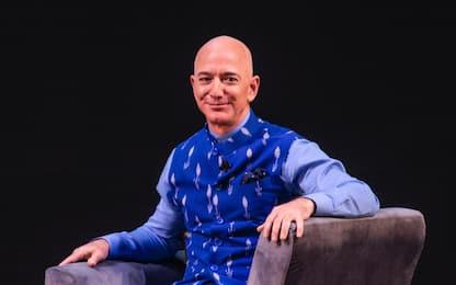Record per Jeff Bezos, patrimonio supera i 200 miliardi di dollari