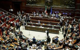 La seduta della Camera dei deputati riunita per votare lo scostamento di bilancio ed il Nadef, Roma 14 ottobre 2020. ANSA/FABIO FRUSTACI