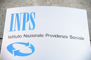 Milano - Insegna inps - pensione e previdenza sociale ( - 2019-02-18, Rich / IPA) p.s. la foto e' utilizzabile nel rispetto del contesto in cui e' stata scattata, e senza intento diffamatorio del decoro delle persone rappresentate