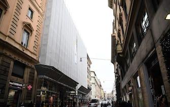 Una facciata di un palazzo in ristrutturazione a Roma, 18 dicembre 2019.  ANSA / ETTORE FERRARI