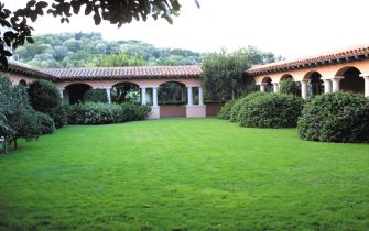 Veduta esterna di villa ''La Certosa '' a Porto Rotondo, Sassari, 12 Agosto 2003. ANSA / ANTONELLO ZAPPADU
