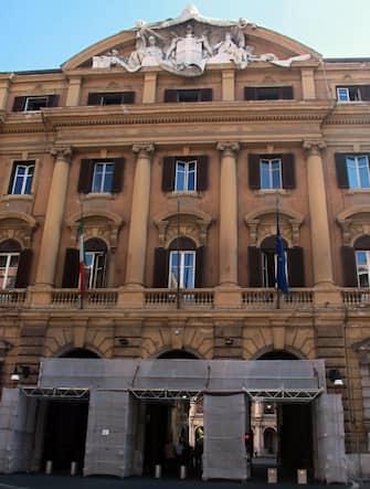 Veduta esterna del palazzo del Ministero delle Finanze, Roma 3 ottobre 2013. ANSA/FABIO CAMPANA
