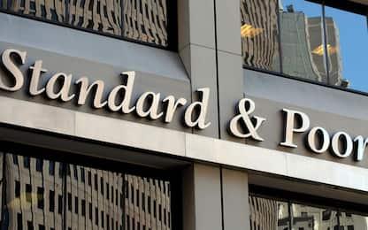 S&P conferma il rating BBB per l'Italia e alza l'outlook a positivo