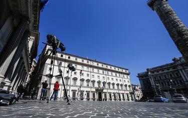 L esterno di palazzo Chigi dove si terrà il Cdm sul recovery found che era convocato per le ore 10, Roma, 24 aprile 2021. ANSA/FABIO FRUSTACI
