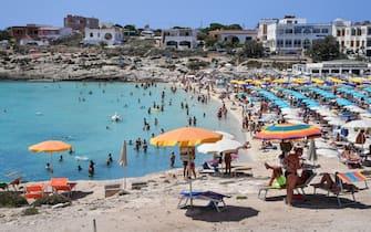 La spiaggia di Cala Giutgia, isola di Lampedusa, 5 agosto 2020.ANSA/ALESSANDRO DI MEO