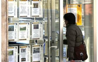 VETRINA AGENZIA IMMOBILIARE  - VENDITA CASA CASE IMMOBILIARI - ANNUNCI VENDESI AFFITTASI CASE (AGENZIA IMMOBILIARE MUTUO MUTUI AGENZIE IMMOBILIARI VENDESI VENDITA CASE CASA CASE AFFITTASI AFFITTI CASE ORIZZONTALE)