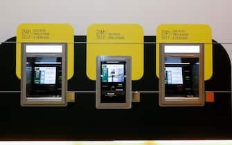 I nuovi sportelli bancomat della sede centrale di Credem a Reggio Emilia,15 Marzo 2021. ANSA / ELISABETTA BARACCHI