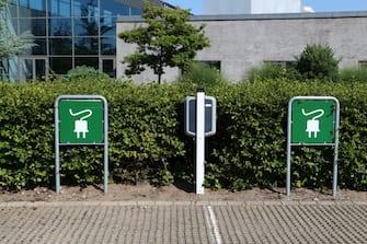 Zona per per la ricarica dell'auto elettrica