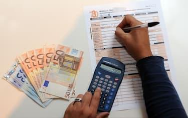 Milano - 730 precomplitato e dichiarazione dei redditi (Rich / IPA/Fotogramma,  - 2018-04-27) p.s. la foto e' utilizzabile nel rispetto del contesto in cui e' stata scattata, e senza intento diffamatorio del decoro delle persone rappresentate