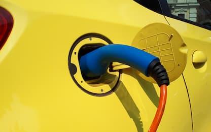 La proposta dell'Ue: stop vendita di auto a benzina e diesel dal 2035