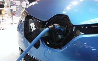 Ecomobilità, auto elettrica: auto e moto elettriche a Ecomondo Key Energy di Rimini. 7 novembre 2018. ANSA/STEFANO SECONDINO