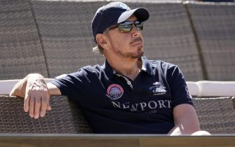 epa06608883 Larry Ellison, co-founder and Executive Chairman of Oracle Corporation and owner of the Indian Wells Tennis Garden watches a match at the BNP Paribas Open at the Indian Wells Tennis Garden in Indian Wells, California, USA, 16 March 2018.  EPA/JOHN G. MABANGLO
