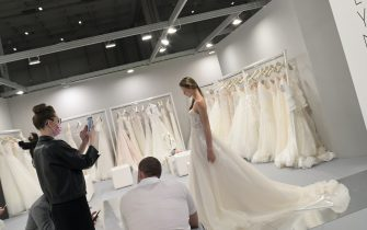 Milano,Italy  Si SPOSAITALIA Collezioni 2021 Milano Brindal Week Fieramilano City presentazione di abiti da sposa e cerimonia In the photo:presentazioni di abiti sposa donna