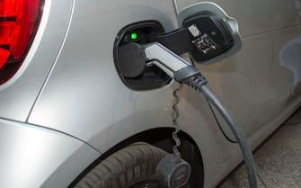 Foto Carlo Cozzoli - LaPresse 06-02-2019 Milano ( Italia ) Cronaca  Conferenza stampa E-Gap per la presentazione del primo servizio di ricarica di veicoli elettrici in mobilità. Dimostrazione ricarica rapida E-Gap auto elettrica.
