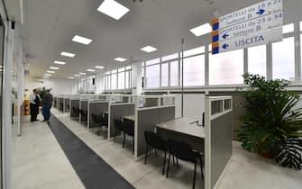 """<p class=""""nav-space description-text ng-binding ng-scope"""">I nuovi locali  dell'Agenzia delle Entrate di via Finocchiaro Aprile durante  l'inaugurazione. Genova, 20 Gennaio 2020.  ANSA/LUCA ZENNARO  </p>                                                                                                    <div class=""""html-preview ng-binding"""">LUCA ZENNARO</div>"""