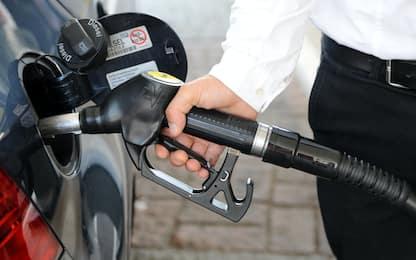 Allarme carburanti, vola il gas e sale il gpl: metano oltre i 2 euro