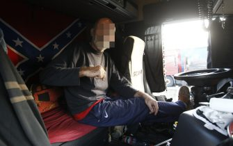Caserta, sciopero nazionale degli autotrasportatori, sciolto il blocco dei Tir da parte delle forze dell'ordine che hanno costretto i camionisti in protesta a lasciare libero il casello dell'autostrada.