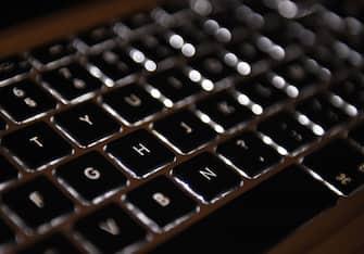A picture taken on April 17, 2015 in Paris shows an Azerty keyboard of a laptop computer.  AFP PHOTO / LOIC VENANCE / AFP / LOIC VENANCE        (Photo credit should read LOIC VENANCE/AFP via Getty Images)